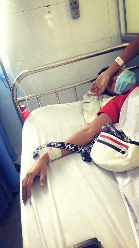 Trước đó, hình ảnh H'Hen Niê nhập viện khiến nhiều người lo lắng.