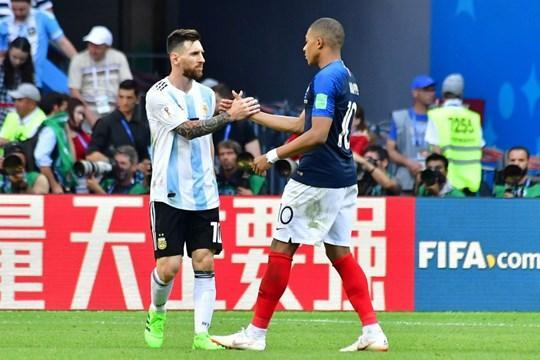 Mbape chơi tuyệt hay trước đội bóng của Messi.