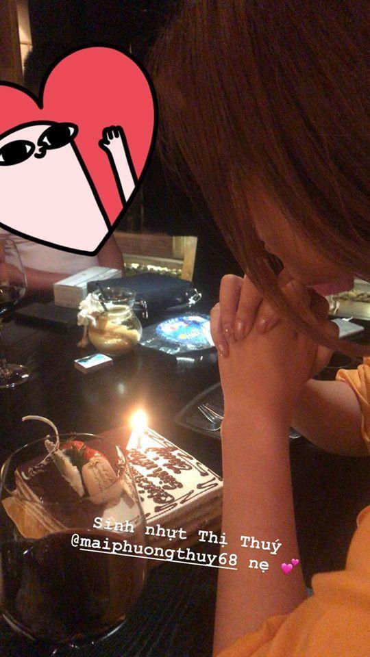 Đỗ Mỹ Linh chúc mừng sinh nhật người chị Mai Phương Thúy.