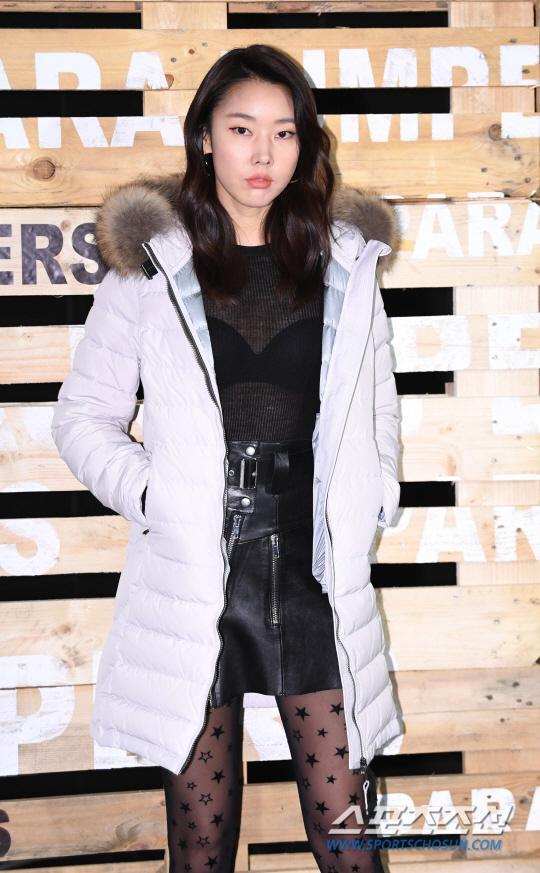 Người mẫu Han Hye Jin luôn quyến rũ và có thần sắc chuyên nghiệp, sang chảnh ở mọi sự kiện.