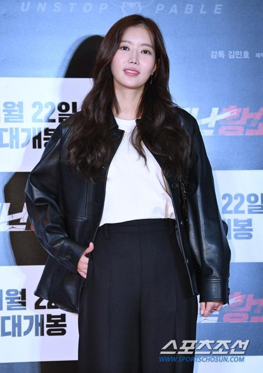 Ra mắt phim 'Unstoppable' của Song Ji Hyo  Ma Dong Seok: Nhiều nghệ sĩ tham dự, thành viên Running Man đều vắng mặt ảnh 8