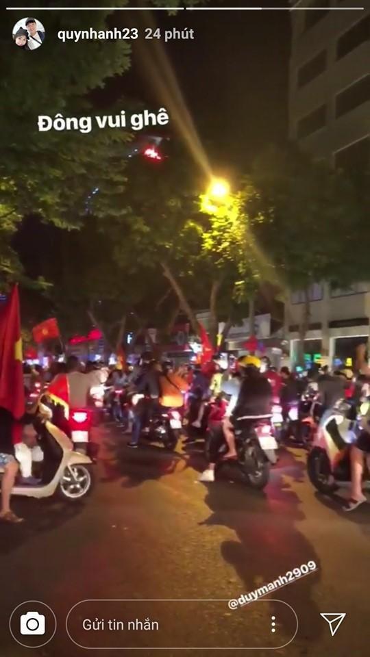 Quỳnh Anh không quên tag tên người yêu mình trên story để chúc mừng và ủng hộ anh cũng như ĐT Việt Nam