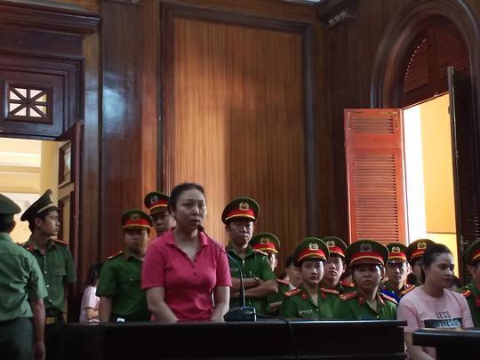 Bị cáo Lê Hương Giang tại tòa chiều 14/5. Ảnh: báo Người Lao Động