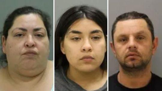 Cảnh sát đã bắt Clarisa Figueroa (ngoài cùng bên trái), con gái bà ta Desiree và Piotr Bobak, bạn trai của bà Clarisa. Ảnh: Metro