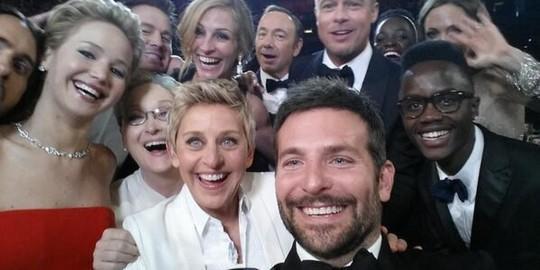 Nữ MC đồng tính thành danh nhất thế giới Ellen DeGeneres: Từng làm đủ nghề để kiếm sống, bị cha dượng lạm dụng tình dục ảnh 7