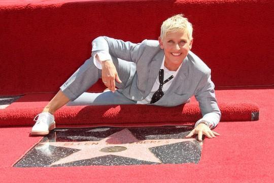 Nữ MC đồng tính thành danh nhất thế giới Ellen DeGeneres: Từng làm đủ nghề để kiếm sống, bị cha dượng lạm dụng tình dục ảnh 8