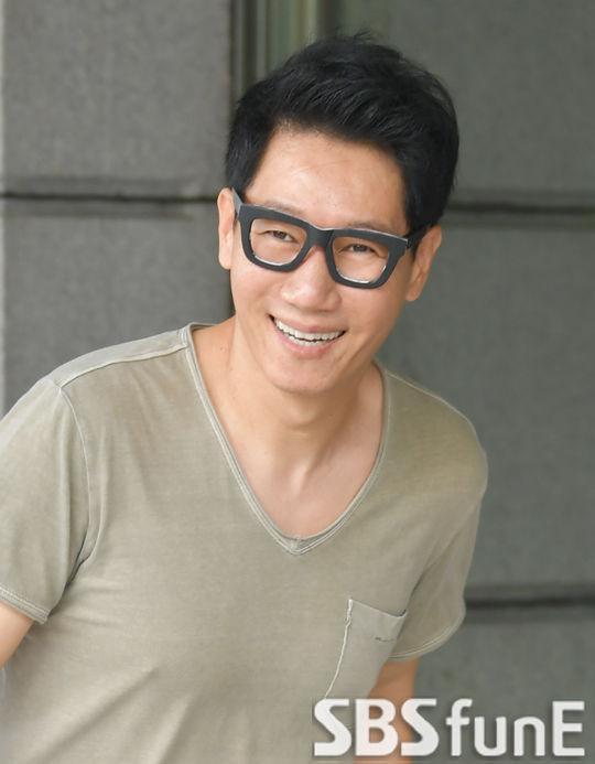 Ji Seok Jin.