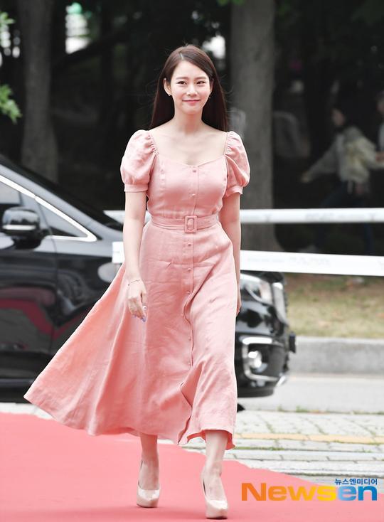 Han Seung Yeon.