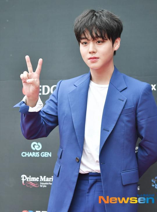 Dàn mỹ nam L (Infinite), Park Ji Hoon và Lai Kuan lin đổ bộ thảm đỏ Asia Model Festival 2019 ảnh 10