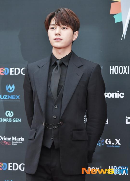 Dàn mỹ nam L (Infinite), Park Ji Hoon và Lai Kuan lin đổ bộ thảm đỏ Asia Model Festival 2019 ảnh 7