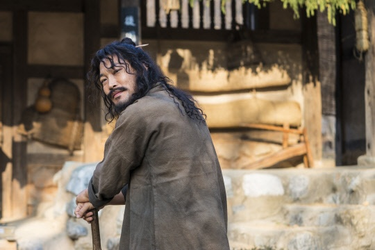 Nam diễn viên dự sẽ góp phần mang đến yếu tố hài hước thông qua việc thể hiện phản ứng hóa học tuyệt vời với Junho.