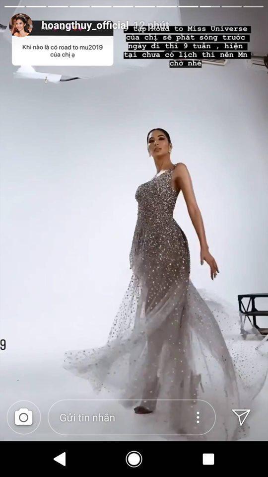 Cú xoay váy làm nhiều người liên tưởng tới màn xoay váy đỉnh cao của H'Hen Niê năm ngoái trên sân khấu Miss Universe.
