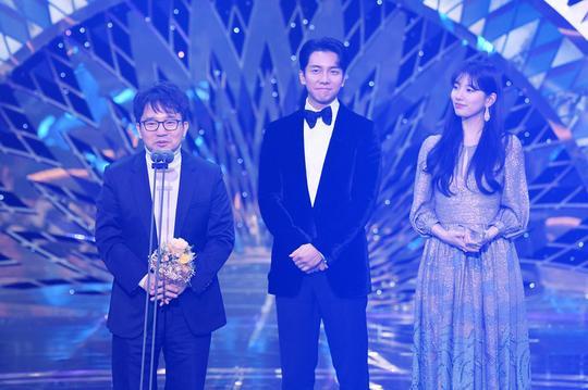 Kết quả SBS Drama Awards 2019: Kim Nam Gil nhận Daesang, Suzy đánh bại Jang Nara để thắng lớn ảnh 17