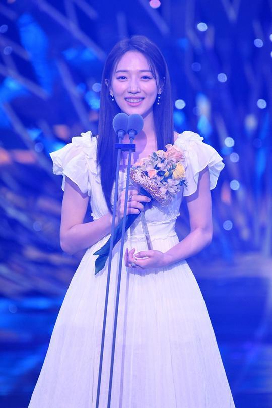 Kết quả SBS Drama Awards 2019: Kim Nam Gil nhận Daesang, Suzy đánh bại Jang Nara để thắng lớn ảnh 11