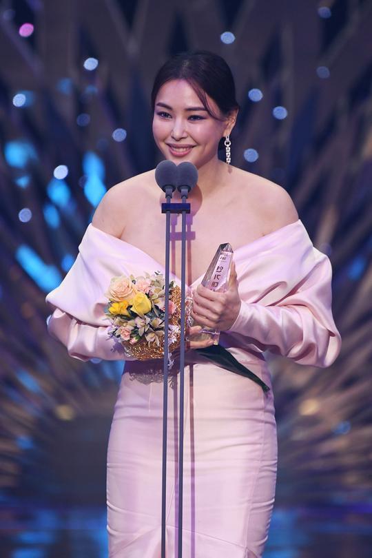Kết quả SBS Drama Awards 2019: Kim Nam Gil nhận Daesang, Suzy đánh bại Jang Nara để thắng lớn ảnh 22