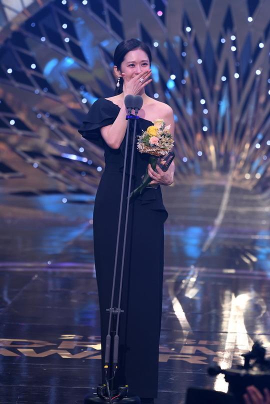 Kết quả SBS Drama Awards 2019: Kim Nam Gil nhận Daesang, Suzy đánh bại Jang Nara để thắng lớn ảnh 25
