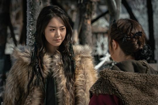 Sốc trước tin tài tử Higashide Masahiro ngoại tình sao Niên sử ký Arthdal: Công ty Lee Byung Hun lên tiếng xin lỗi! ảnh 7