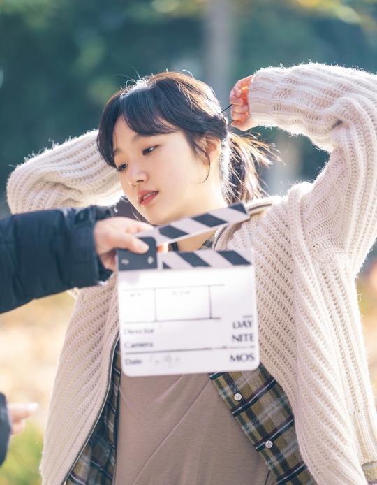 The King: Hậu trường đẹp hút hồn của Lee Min Ho  Kim Go Eun, chuẩn bị cày ngay và luôn! ảnh 11