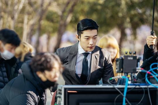The King: Hậu trường đẹp hút hồn của Lee Min Ho  Kim Go Eun, chuẩn bị cày ngay và luôn! ảnh 6