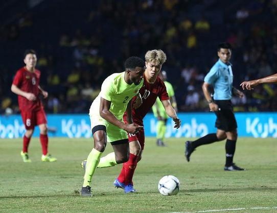 Công Phượng bị trách móc sau trận chung kết King'Cup 2019.