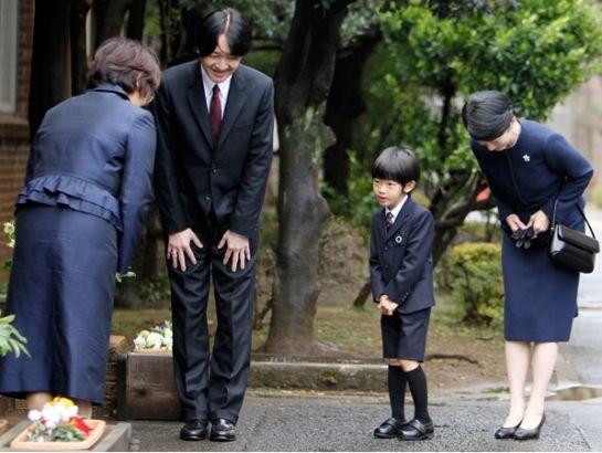 Văn hóa cúi đầu của Nhật Bản: 3 kiểu cúi đầu  3 mức độ khác nhau ảnh 0