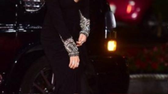 Ở tuổi 37, Ha Ji Won ngày càng đẹp, gần đây cô thử sức với nhiều phong cách thời trang mới.