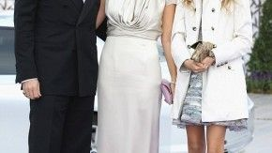 Công chúa cùng cha mẹ năm 2011. Đây là gia đình hoàng gia trên danh nghĩa vì Hy Lạp đã bãi bỏ chế độ quân chủ vào năm 1973. Ảnh: Getty Images