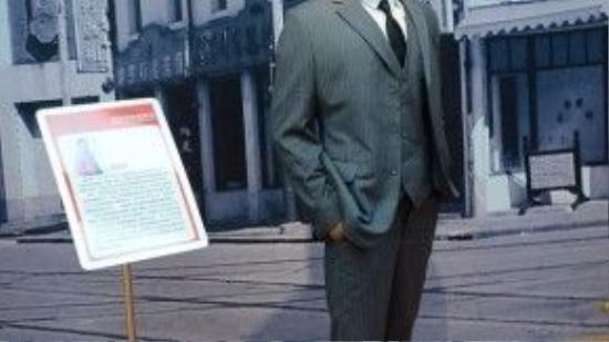 Có ai nhận ra đây là tượng sáp của Huỳnh Hiểu Minh? Tượng sáp bị cho khác xa người thật đến 100%.