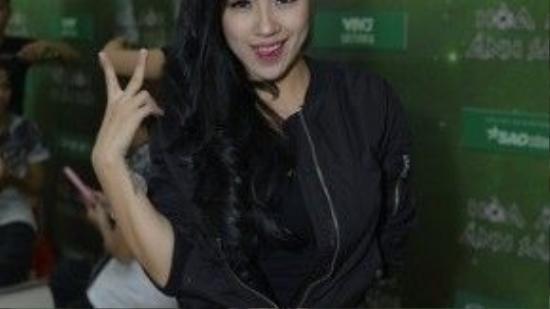 """""""Nhìn chung, trong tất cả các show tôiluôn muốn hình ảnh của Tít sexy đủ độ, chất lừ và cá tính, vì các thành viên trong nhóm đều yêu thích thể loại nhạc hiphop, nói không với hình ảnh bánh bèo""""- Stylist Jessica Nguyễn chia sẻ."""