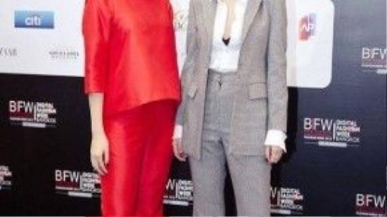Cách đây không lâu, khi xuất hiện tại tuần lễ thời trang Thái Lan, Song Yến cũng từng diện những chiếc quần ống loe trên thảm đỏ.