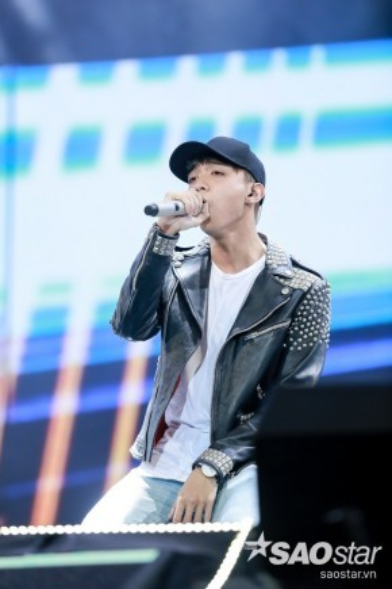 Soobin tiếp tục chứng minh tài năng của mình khi trình diễn bài hát do chính anh chàng sáng tác Vụt tan.