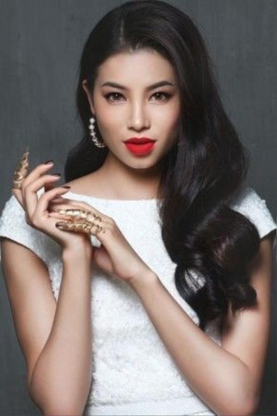Trở về từ sau cuộc thi Miss Universe, Phạm Hương đang là cái tên được truyền thông săn đón, người hâm mộ quan tâm và cực kì yêu thích.