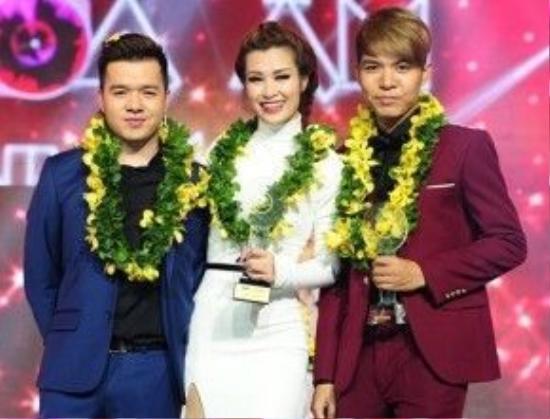 Đông Nhi cùng các thành viên trong đội của mình xuất sắc trở thành Quán quân The Remix 2015.
