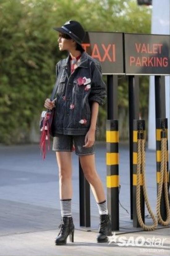 Phong cách menswear lại được Hà Kino ưu ái cho lần xuất hiện này.