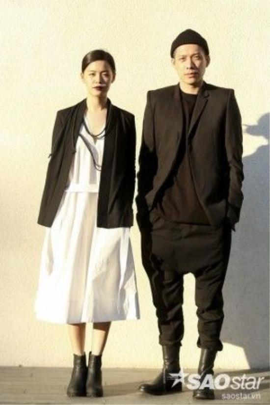 Cặp đôi NTK Joe Chia đến từ Malaysia vô cùng chất với 2 màu trắng - đen cơ bản.