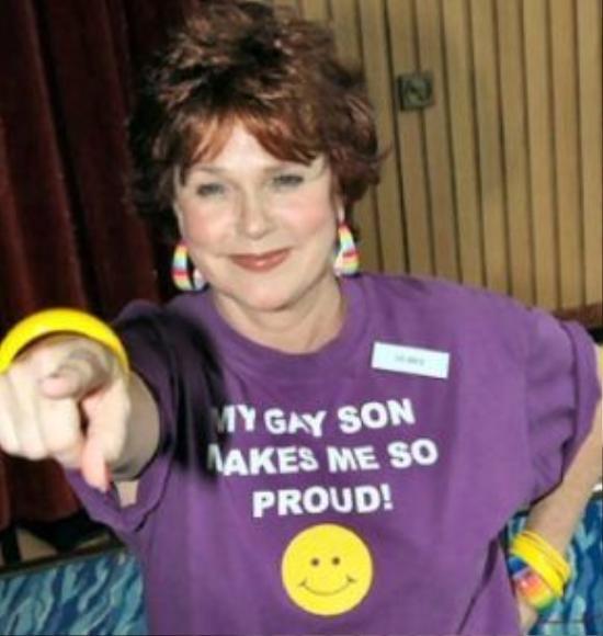 """""""Đứa con gay của tôi khiến tôi vô cùng tự hào."""" - bà mẹ đáng mơ ước của Michael."""