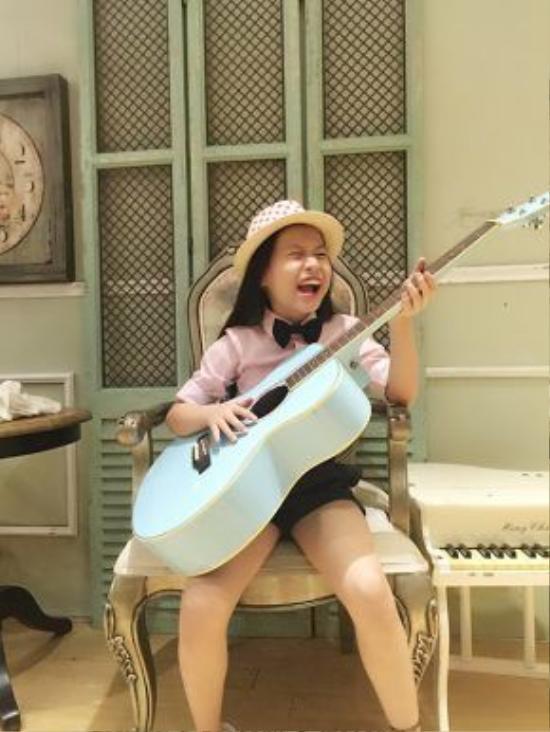 Hiện tại, Cao Lê Hà Trang đã phát hành3 album: vol.1 là những ca khúc nhạc thiếu nhi được yêu thích, vol.2 là CDtiếng Anh vàmới nhất là sản phẩm âm nhạc được remix toàn bộ này.
