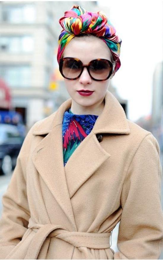 Mẫu khăn turban sẽ không bùng nổ mạnh mẽ nếu thiếu vắng bóng dáng của những tín đồ thời trang.
