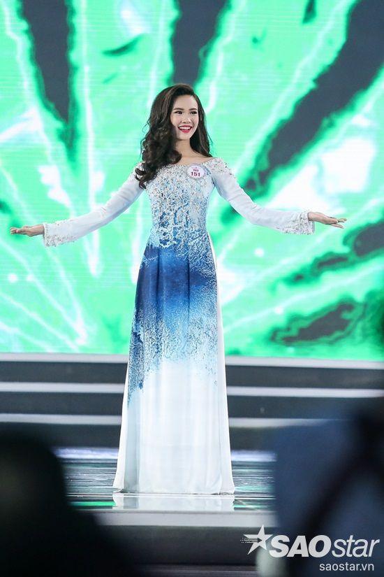 151 Sái Thị Hương Ly - Một trong những ứng cử viên sáng giá được nhận được nhiều kỳ vọng của khán giả trong đêm chung kết.