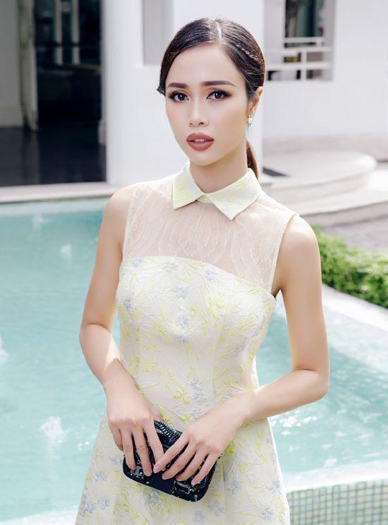 Vũ Ngọc Anh quyến rũ đến ngẩn ngơ khi diện đầm ngắn của Lê Thanh Hòa ảnh 4