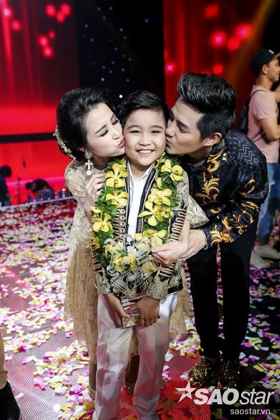 …Xuất sắc cùng bạn trai Ông Cao Thắng giúp Nhật Minh đăng quang.