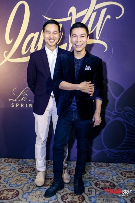 Cặp đôi NTK Adrian Anh Tuấn và Sơn Đoàn với phong cách lịch lãm.