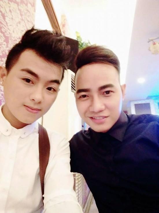 Hai thành viên ATA Chí Ngôn (phải) và Gia Khang (trái).
