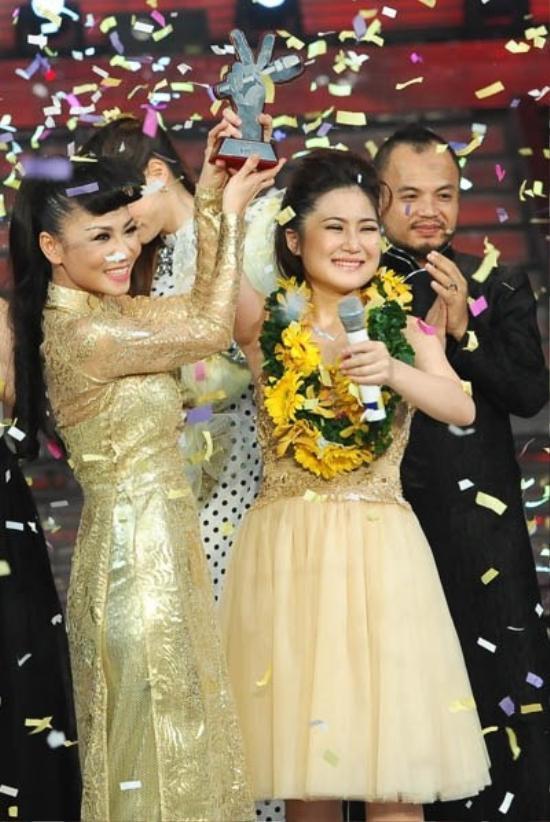 Đăng quang ngôi vị Quán quân The Voice mùa đầu tiên, Hương Tràm là cái tên được quan tâm nhất thời điểm lúc bấy giờ.