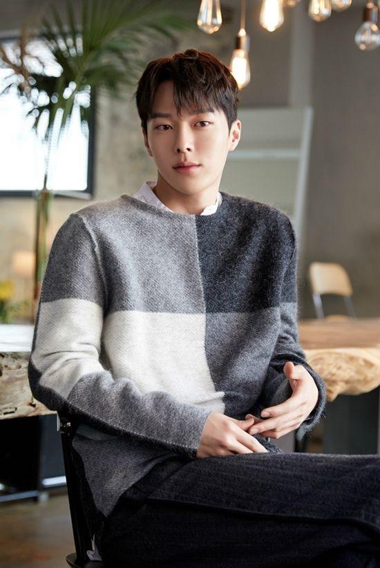 Jang Ki Young.