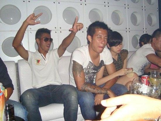 Hoà Minzy, Ly Kute và những hot girl 'vỡ mộng' yêu cầu thủ ảnh 2