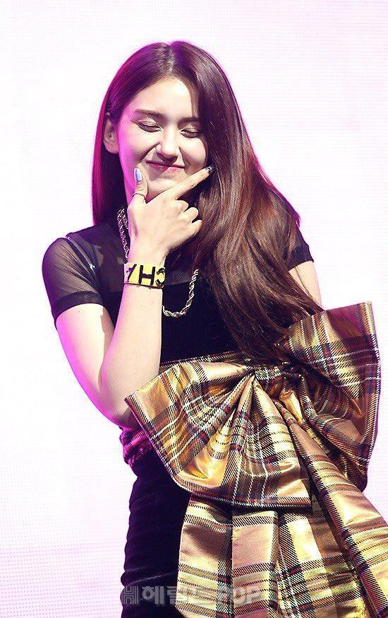 Somi tại showcase debut.