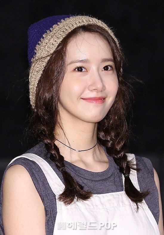 """Cận cảnh làn da trắng nõn nà, không tì vết căng bóng của """"nữ thần Yoona"""" , làn da của cô là ước mơ của bao cô gái"""