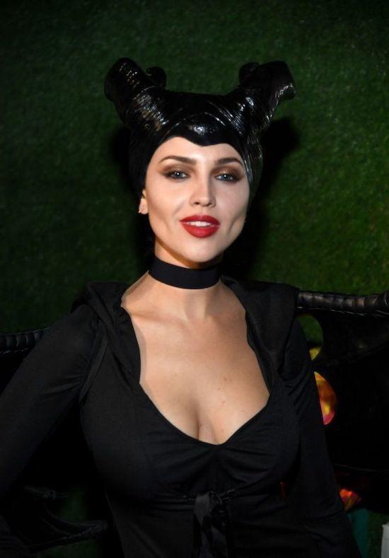 Cô đào nóng bỏng Eiza Gonzalez - người đẹp hóa trang thành nhân vật Tiên hắc ám Maleficient của Disney., đây là nhân vật do diễn viên Angelina Jolie đảm nhận