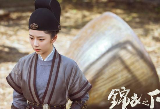 Các nữ bổ khoái tài giỏi trong phim truyền hình Trung Quốc: Không phải ai cũng lầy lội như Viên Kim Hạ trong 'Cẩm Y Chi Hạ' ảnh 12